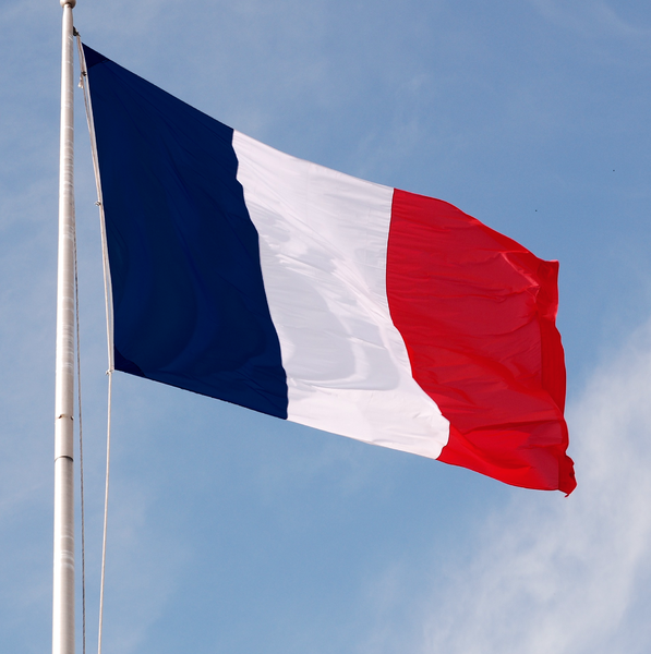 France to keep watching brief on shale gas technology