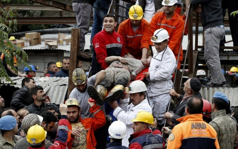Turkey reports mass deaths in mine collapse