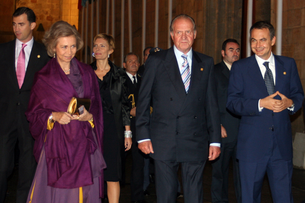 Spain's King Juan Carlos steps down after four decades of reign