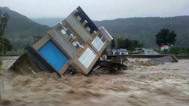 Kashmir's killing floods - playground for journalists