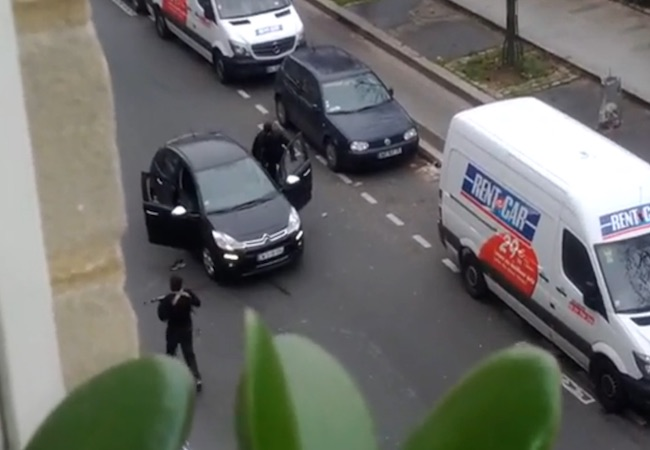 Hunt for two out of three suspects of Charlie Hebdo's massacre continues