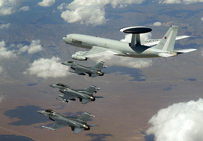 NATO E-3A flying with US F-16s in a NATO exercise (Photo: Courtesy of WikiCommons)