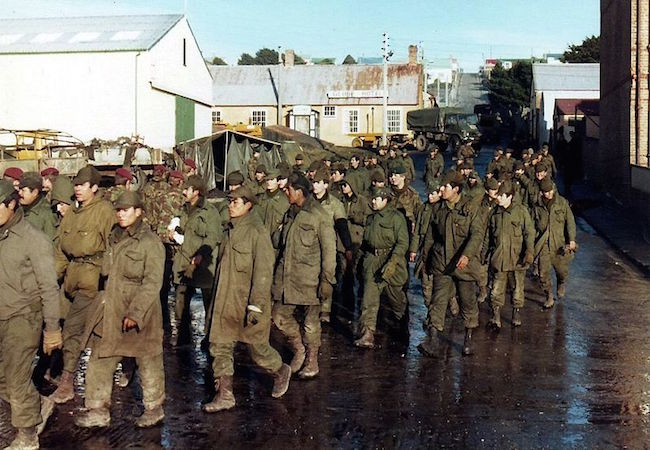 Falklands/Malvinas war documents declassified; Argentine Defense ministry has 30 days to make them available