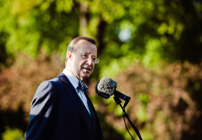 Estonian president calls for permanent NATO presence