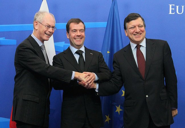 Left to right: President of the European Council Herman Van Rompuy, President of Russia Dmitry Medvedev and President of the European Commission José Manuel Barroso in 2010 (Photo: Courtesy of WikiCommons)
