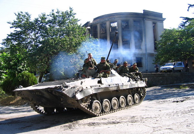 Russian BMP-2 of the 58th Army of the North Caucasus Military District of Russian Armed Forces in the breakaway South Ossetia region of Georgia during the 2008 Russo-Georgian War. (Photo: Courtesy of WikiCommons)