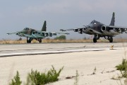 Russia strikes Syrian rebels near Turkey borders, Syrian army advances on ground