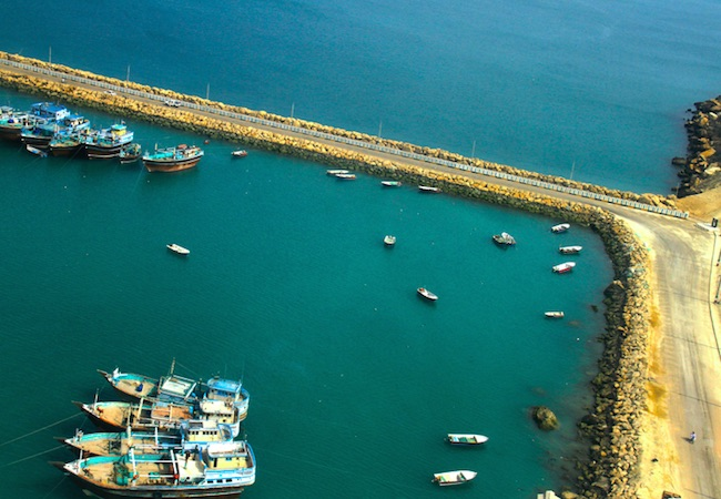 Iranian boats at Konarak Berth, Chabahar Bay. (Photo: Courtesy of WikiCommons)