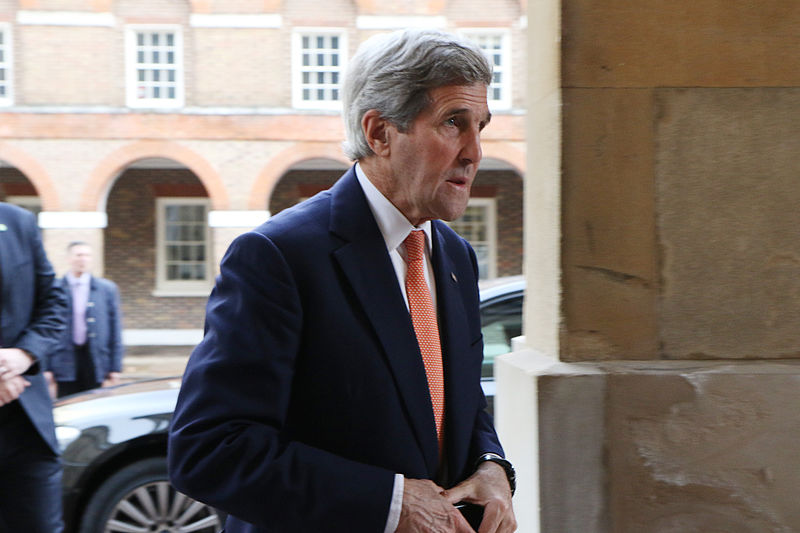 Kerry says Syrian war should be settled on political track