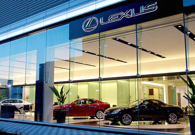 Lexus chooses Bertin Osborne to promote the brand
