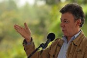 Colombian government, FARC rebels sign historic ceasefire agreement